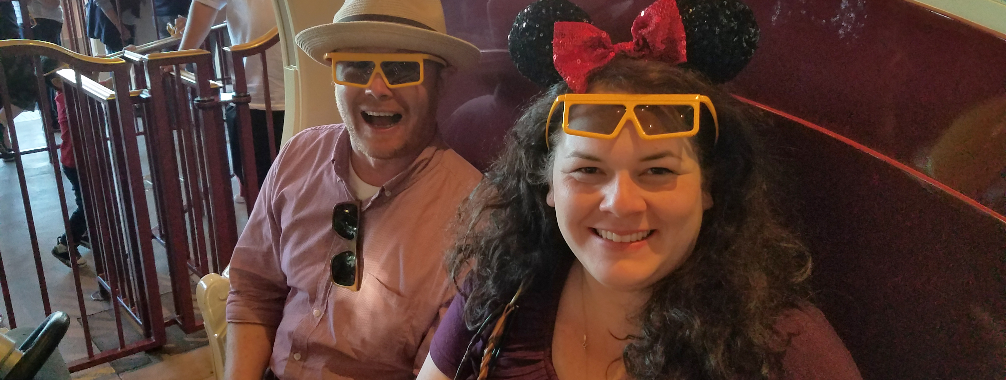 How To Enjoy Disneyland like the Wine-Swigging Adult You Are